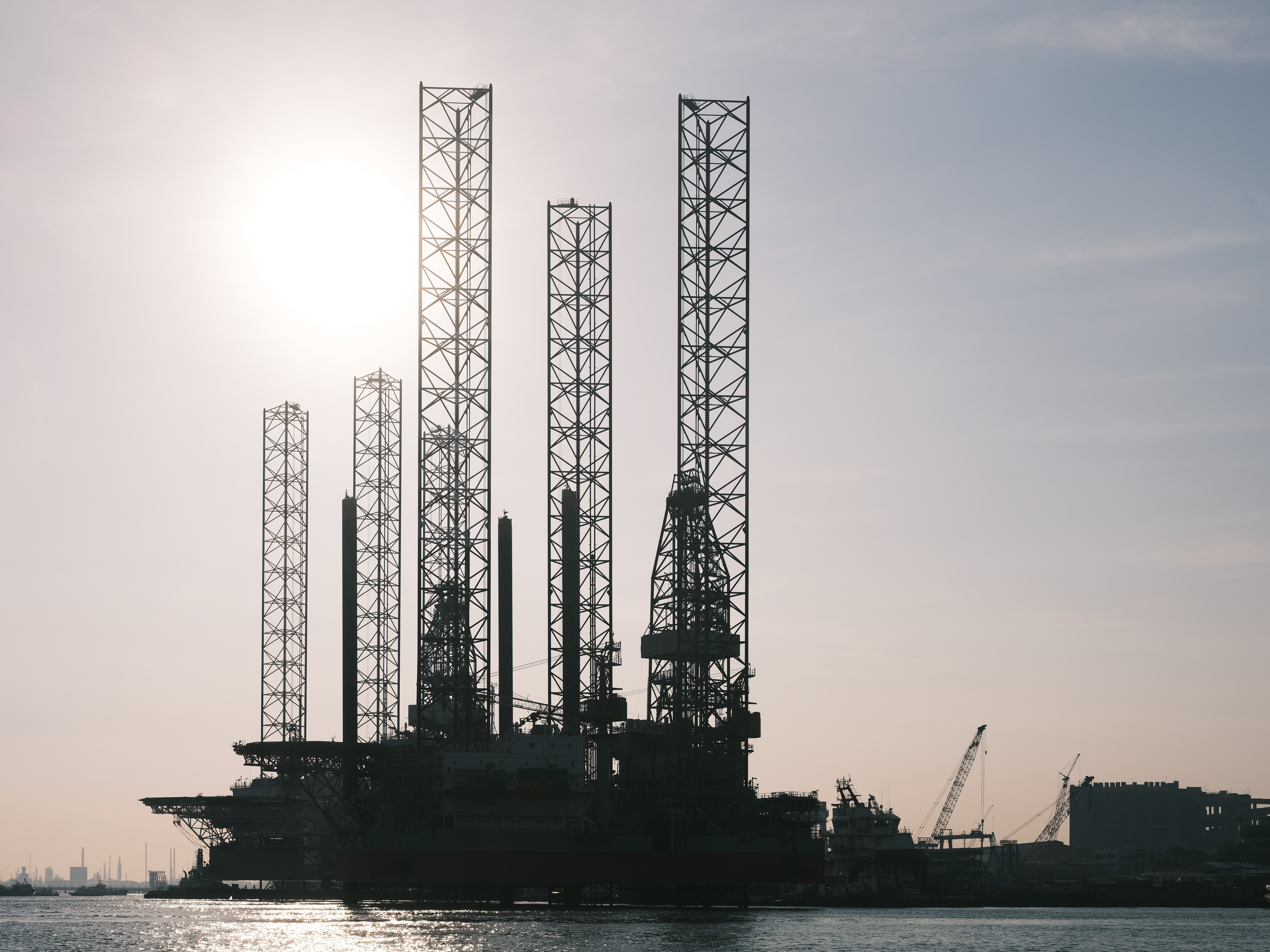 Agents involved in the sale of fuels, ores, metals and industrial chemicals in Põltsamaa
