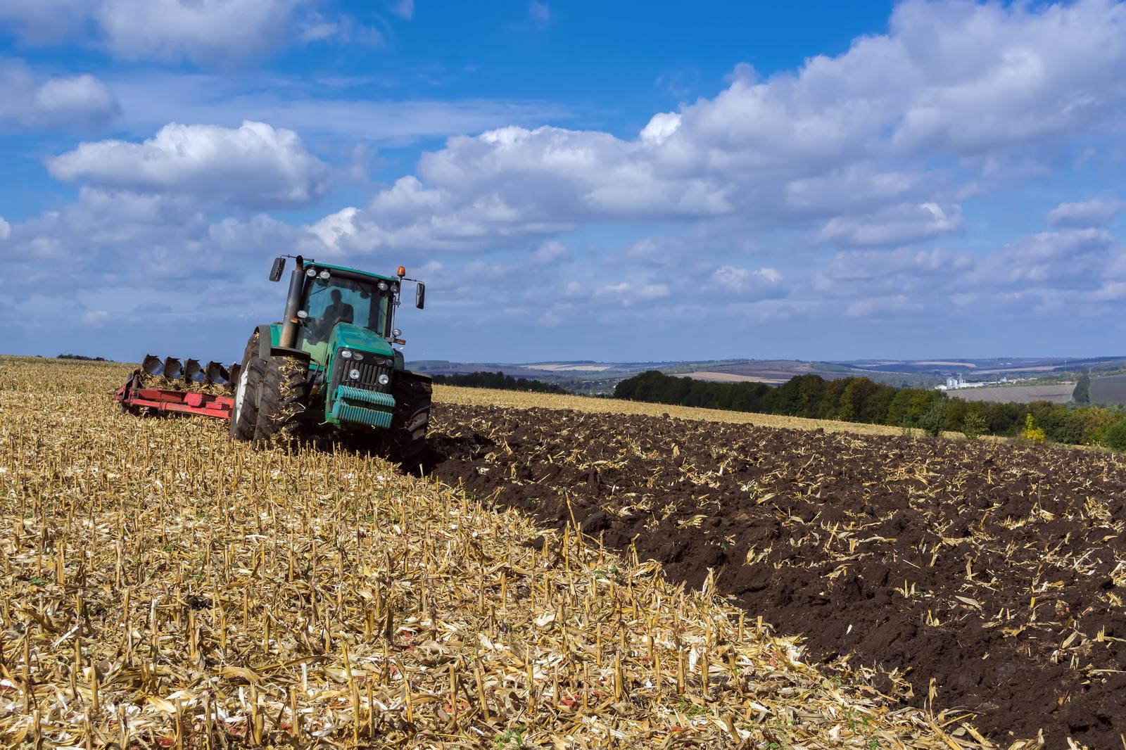 Wholesale of agricultural machinery, equipment and supplies in Viljandi county