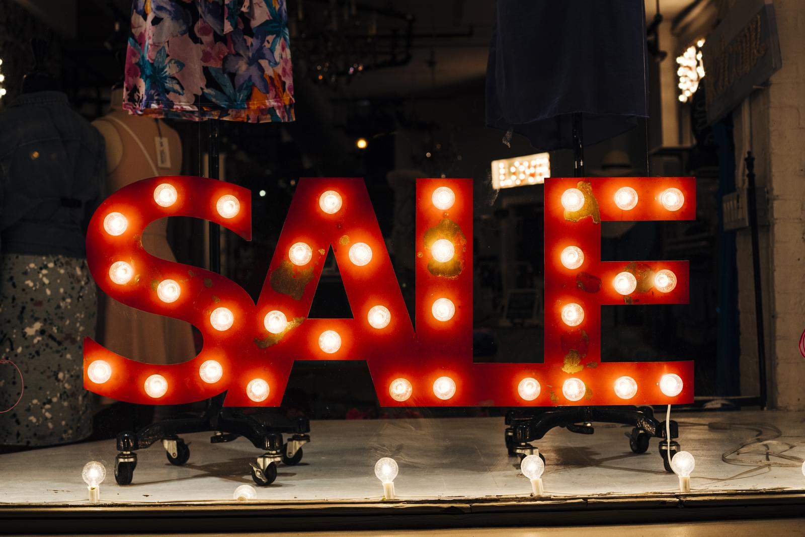 Other retail sale in non-specialised stores in Pärnu