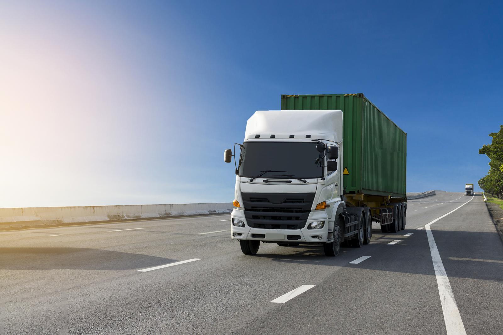 Kaubavedu maanteel Eestis