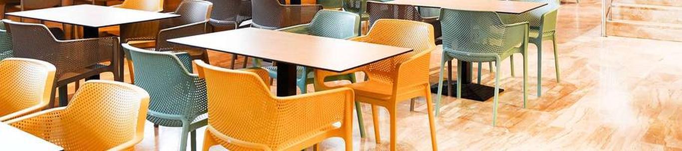 Töö sisuks on baari/restorani klientide teenindamine
