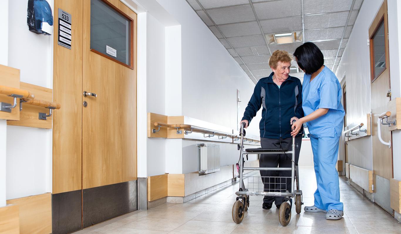 Meedias on hiljuti esile kerkinud kurioosne lugu - Keila haiglas toimetab kaks konkureerivat ettevõtet, mille juhid eitavad koostööd. Kuidas kaks firmat nõnda ühe katuse all hakkama saavad? Vaatame mis sorti ettevõttega ...